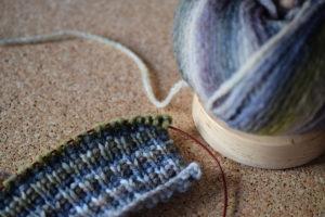 Lang Yarns Mila Color Schal Halbpatent