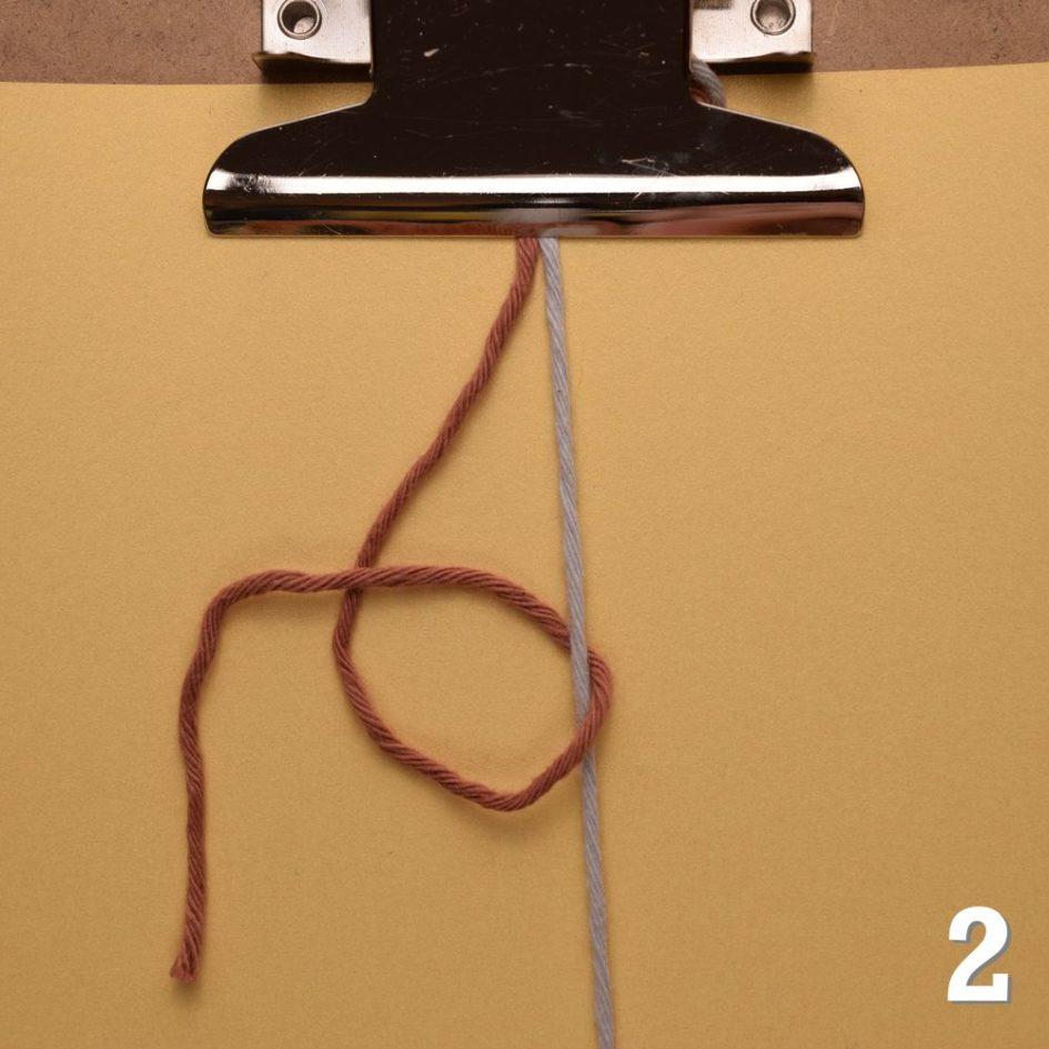 Freundschaftsbänder knüpfen: Rechts-Links-Knoten
